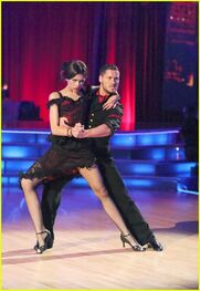 Zendaya-coleman-DWTS-Performance-Week4-(3)