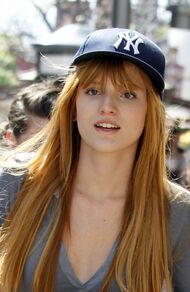 Bella-thorne-hat-and-no-make-up-natural