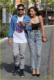 Roshon-fegan-girlfrfiend-camia-marie-chaidez-the-grove-01