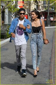 Roshon-fegan-girlfrfiend-camia-marie-chaidez-the-grove-03