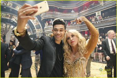Roshon-fegan-chelsie-hightower-celebs-dwts-10th-celebration-pics-04