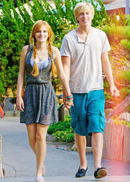 Bella-thorne-2012zoopicwithb