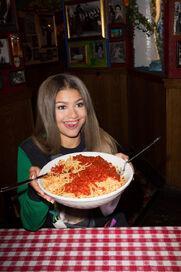 Zendaya-coleman-birthday-spaghetti