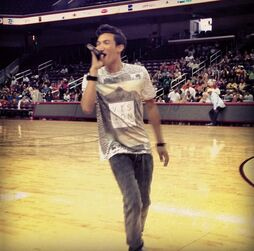 Roshon-fegan-performing-at-games