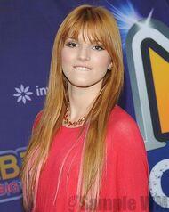 Bella Thorne 051