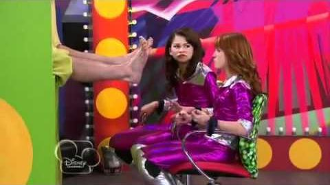 Shake It Up S02E17 Weird It Up Part 10