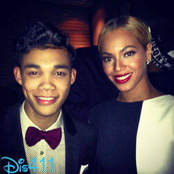 Roshon-fegan-beyonce-feb-10-2013