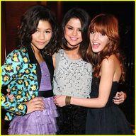 Selena-gomez-shake-up-nyc