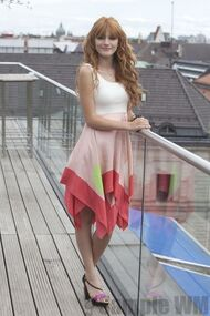 95340 Preppie Bella Thorne posing for a photo shoot on a hotel in Munich 3 122 179lo