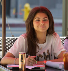 Zendaya-coleman-out-to-lunch