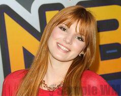 Bella Thorne 088