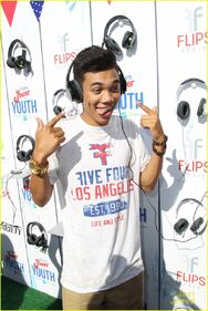 Roshon-fegan-power-youth-04-tongue