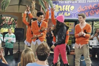 Roshon-fegan-Kicking-It
