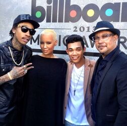 Roshon-fegan-with-celebs