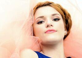 Bella-thorne-braided-hair-blue-dress-(2)