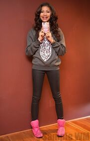 41376 Preppie Zendaya Coleman posing with her new cell phone at a house in LA 12 122 136loEIGHT