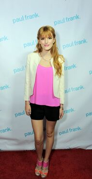 Bella-thorne-paul-frank-event-pink-top-beauty