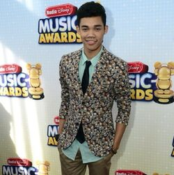 Roshon-fegan-RadioDisneyMusicAwards