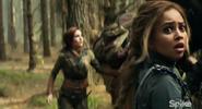 S02E01-Druid-Lyria-sees-Trolls