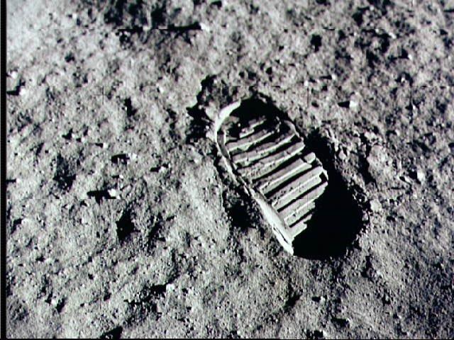 File:Apollo11 footprint.jpg