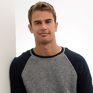 File:Theo James.jpg