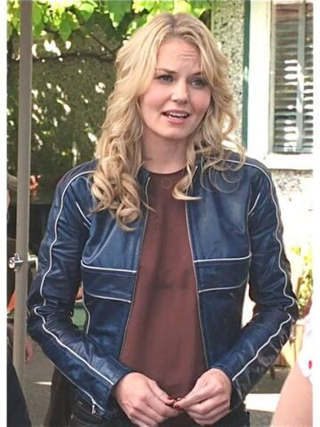 File:Outfit-Gorgeous-Once-Upon-A-Time-Emma-Swan-Blue-leather-Jacket-450x600.jpg