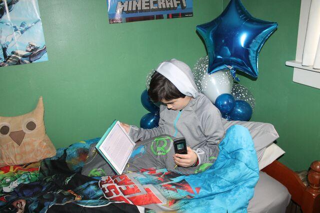 File:Jonah bedtime screentime.jpg