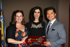 Donna Lynne, Aline and Vincent with key to the city