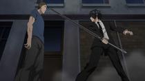 Akane und Clay versuchen den Traitor einzuschüchtern
