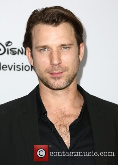Wil-traval-disney-abc-television-group-hosts 20053382