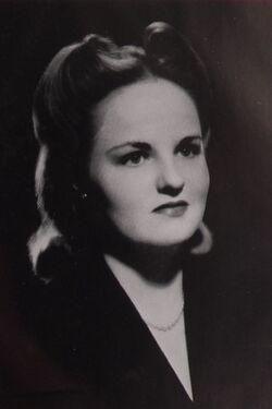 Anne McKnight May Queen 1943