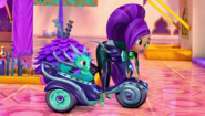 Nazboo and Zeta the Sorceress Shimmer and Shine Carpet Chase