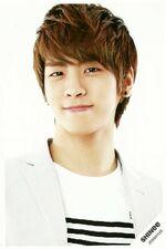 Jonghyun smiling