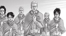 Erwin saluda con el brazo izquierdo