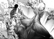 Eren ataca al titán colosal