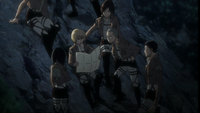 Armin les explica su plan