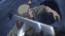 Reiner es atacado por Levi