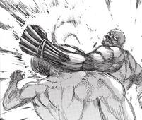 Reiner se enfrenta a Eren