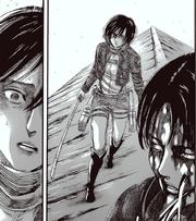 Mikasa adelanta paso hacia Levi