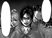 Hanji, Hitch y Marlo se reúnen con el escuadrón de Levi