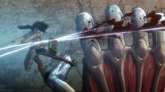 Mikasa corta los dedos de Annie