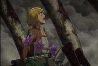 Armin en el interior del esqueleto Eren