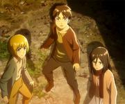 Armin, Eren und Mikasa erblicken den kolossalen Titan (Anime)