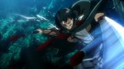 Levi en mouvement contre le titan Ilse