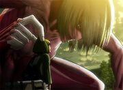 Armin trifft auf den weiblichen Titan