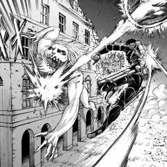Mikasa detiene al Titán Mandibula.