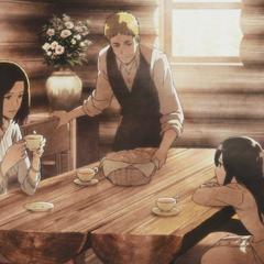 Mikasa junto a sus padres.