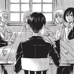 Levi habla con los miembros de su nuevo escuadrón.