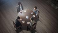 Hanji und Levi trinken Tee mit den Reportern
