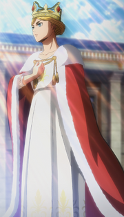 Historia is crowned queen